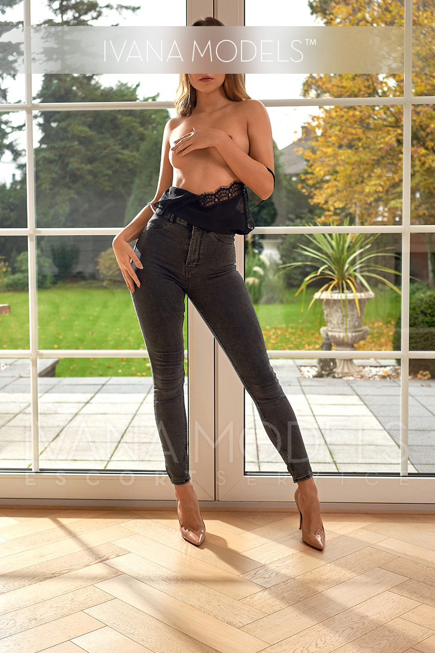 VIP Escort Model in Berlin - Clara